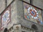Uhren auf der Schwarzen Kirche.