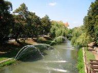 Sogar der kleine Fluss wird hier bewässert.
