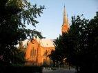 Kirche in Bekescsaba im Sonnenuntergang.