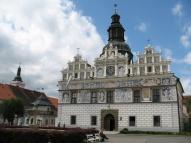 Ganz zufällig gefunden: dieses schöne Rathaus.