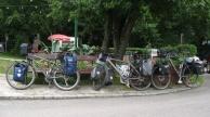 Unsere drei Räder: Kabat, Frau Herrmann Steiff und... das letzte hat keinen Namen.