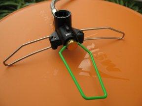 Der Gasanschluss mit seinen ausklappbaren Beinen, so herum im Flüssiggasbetrieb.