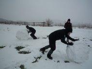 Bald ging es wieder los, aber wir haben es uns nicht nehmen lassen, noch einen Schneemann zu bauen.